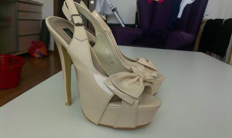 16f115f391 Predám dámske sandálky (4 páry) - Dámska obuv - bazar - MAXbazar.sk
