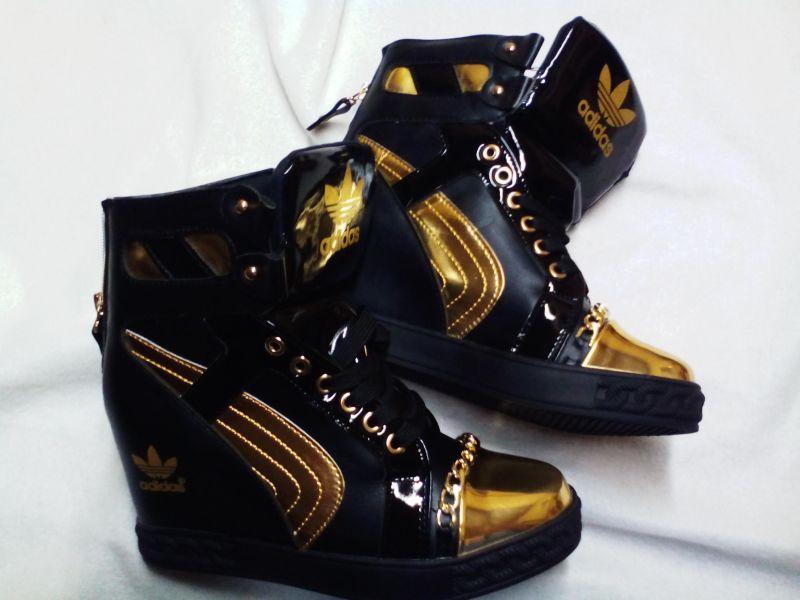 a4e1274deedf Predám nové dámske čiernozlate topanky - Dámska obuv - bazar ...